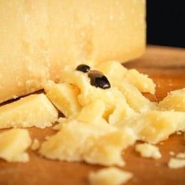 Scaglie di Parmigiano Reggiano Biologico stagionato oltre 24 mesi