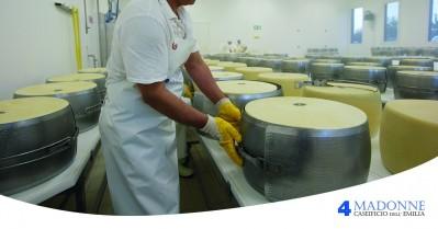 Parmigiano Reggiano : valori nutrizionali, calorie e proprietà